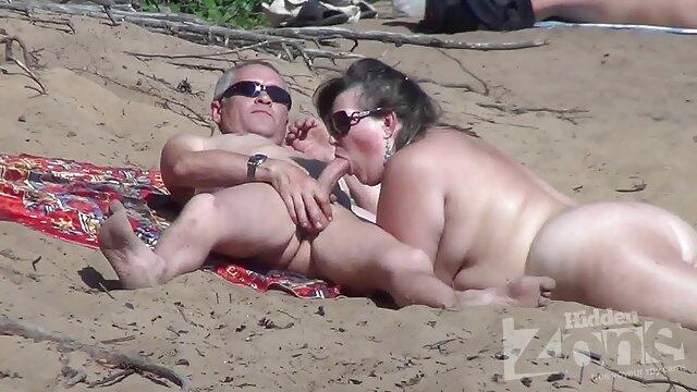 اولیا تصاویر سکسی سوپر اولین رابطه جنسی مقعدی خود را انجام می دهد