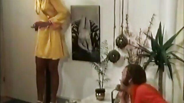 کرم های کوچک بیدمشک در تمام خروس عکس فیلم سوپر خارجی سیاه بزرگ