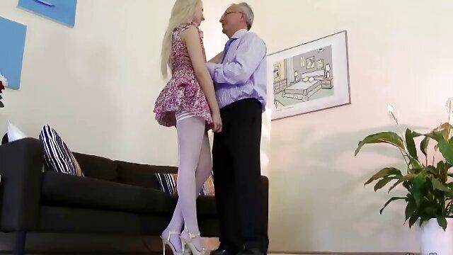 عزیزم سبزه سلین بی نظیر را شاخ کلیپ سکس سوپر می کند و خودش را با کیرمادرز می کند