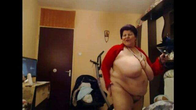 کودک دانلود عکس سوپر سکس روی کاناپه خشن می شود